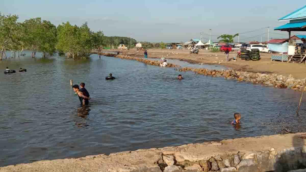 Pantai kenyamukan Menjadi Primadona Ditengah Pandemi Covid 19